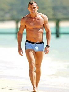 Look like Daniel Craig in Casino Royale