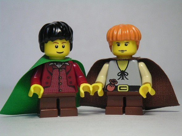 Sam and Frodo lego workout buddies