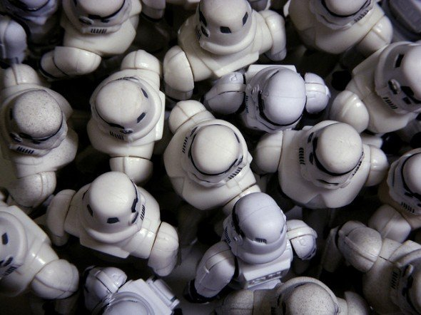stormtroopers_attending_a_meetup_alone