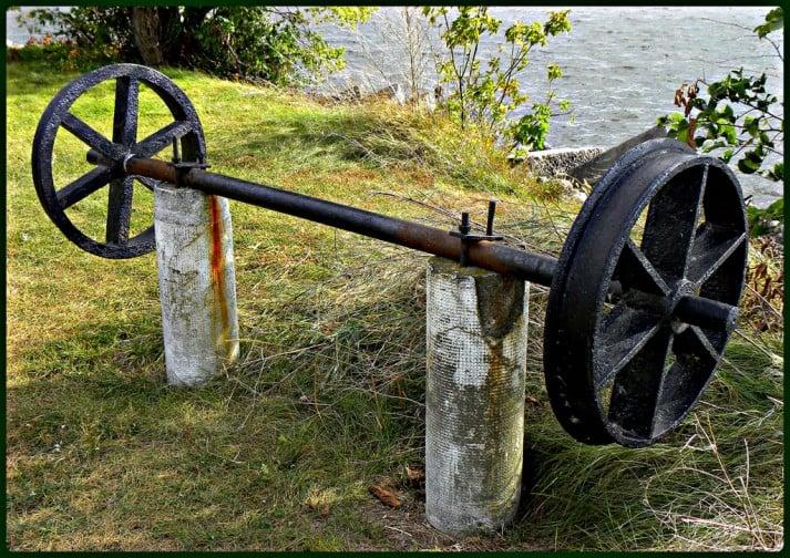 old wheel axel