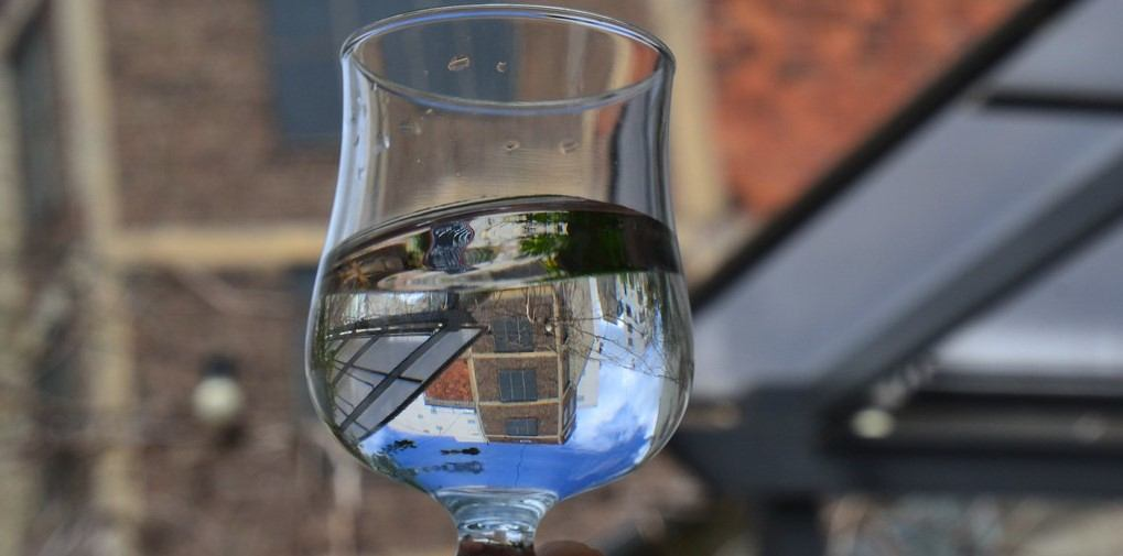 This is a really cool picture of a glass of water.