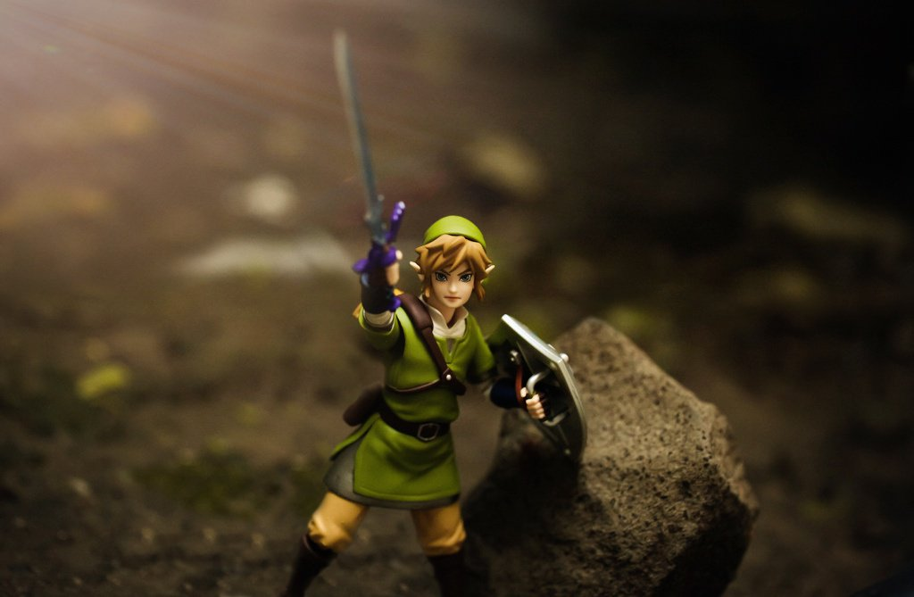 Link gets a lot of overhead pressing in, what with all that treasure he finds.