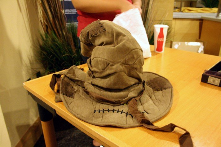 Sorting hat table