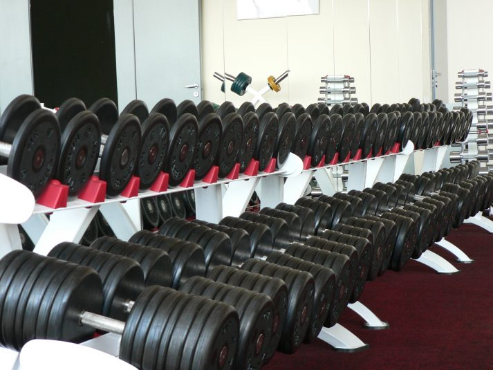 Gym etiquette 101: dont break these 29 unwritten rules nerd fitness