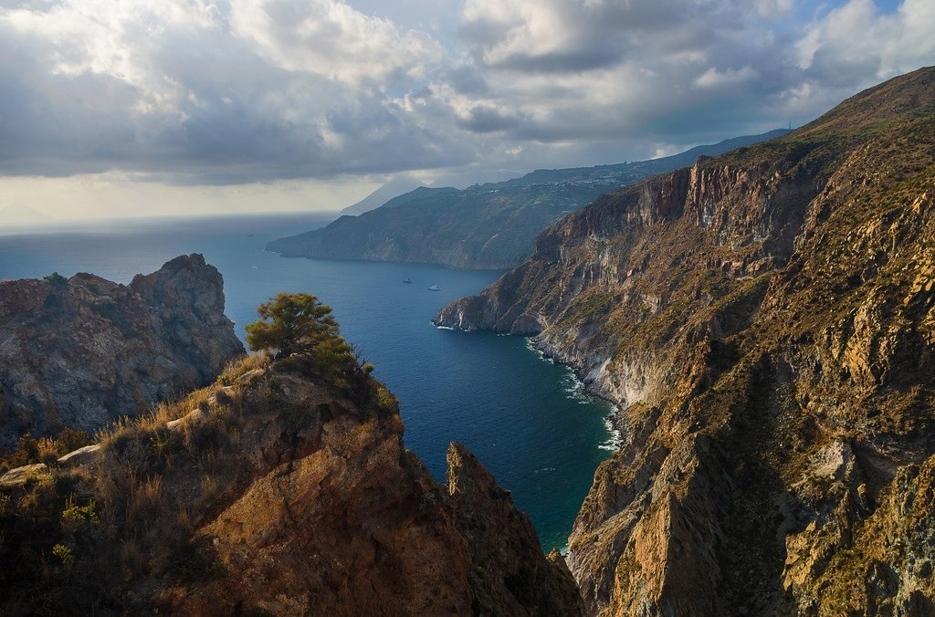 The Mediterranean is sure to be pretty. But is the diet real?