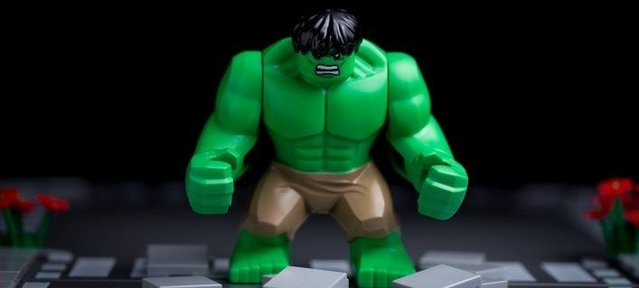 Hulk knows how many reps and sets to do.