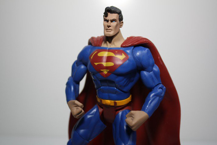 I can't even begin to imagine what Superman must be able to bench.
