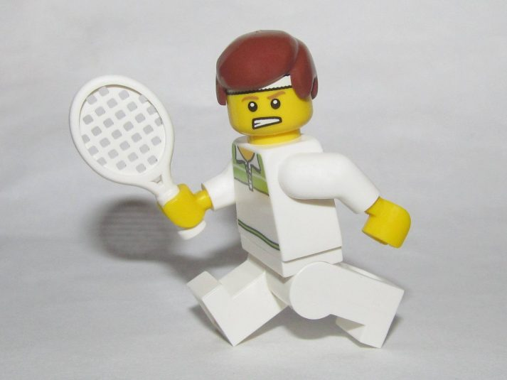 The more you move, the more calories you use, the higher your TDEE. Which is why this LEGO loves to play tennis!