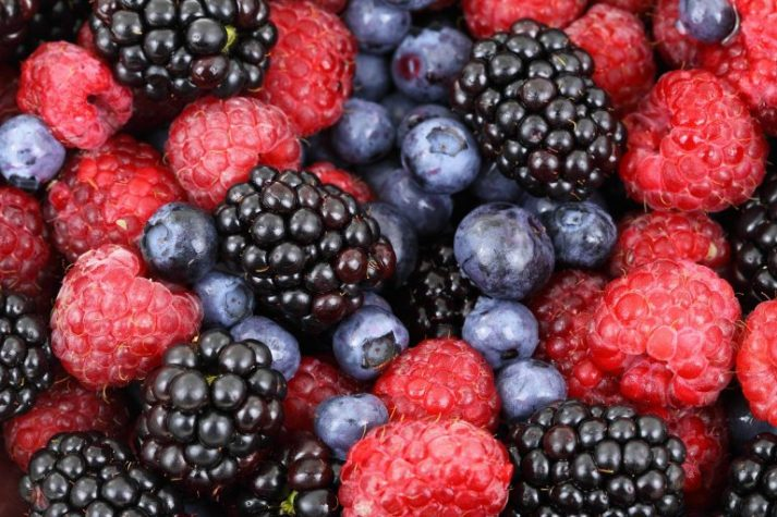 Berries are low in calories and full of vital nutrients, which make them a great addition to a healthy diet.