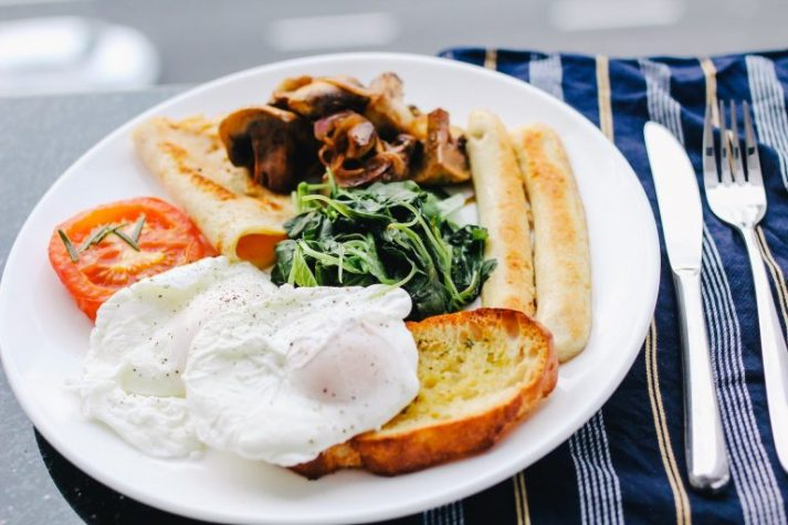 What's a healthy breakfast for you to eat while you travel?