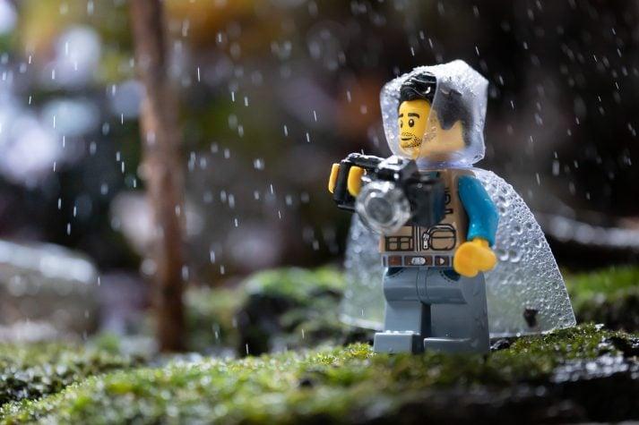 Este camarógrafo sabe que una verificación de forma es valiosa cuando se trata de entrenamiento de fuerza. Y un impermeable en una tormenta. Ambos prácticos.