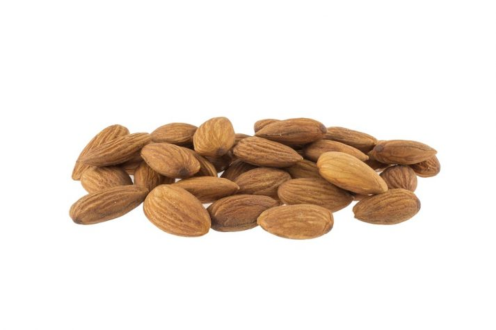 Knowing the correct amount of almonds to eat can help you with your calorie goals.