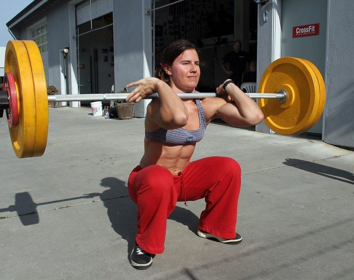 This pictures shows a CrossFitter doing s Front Squat