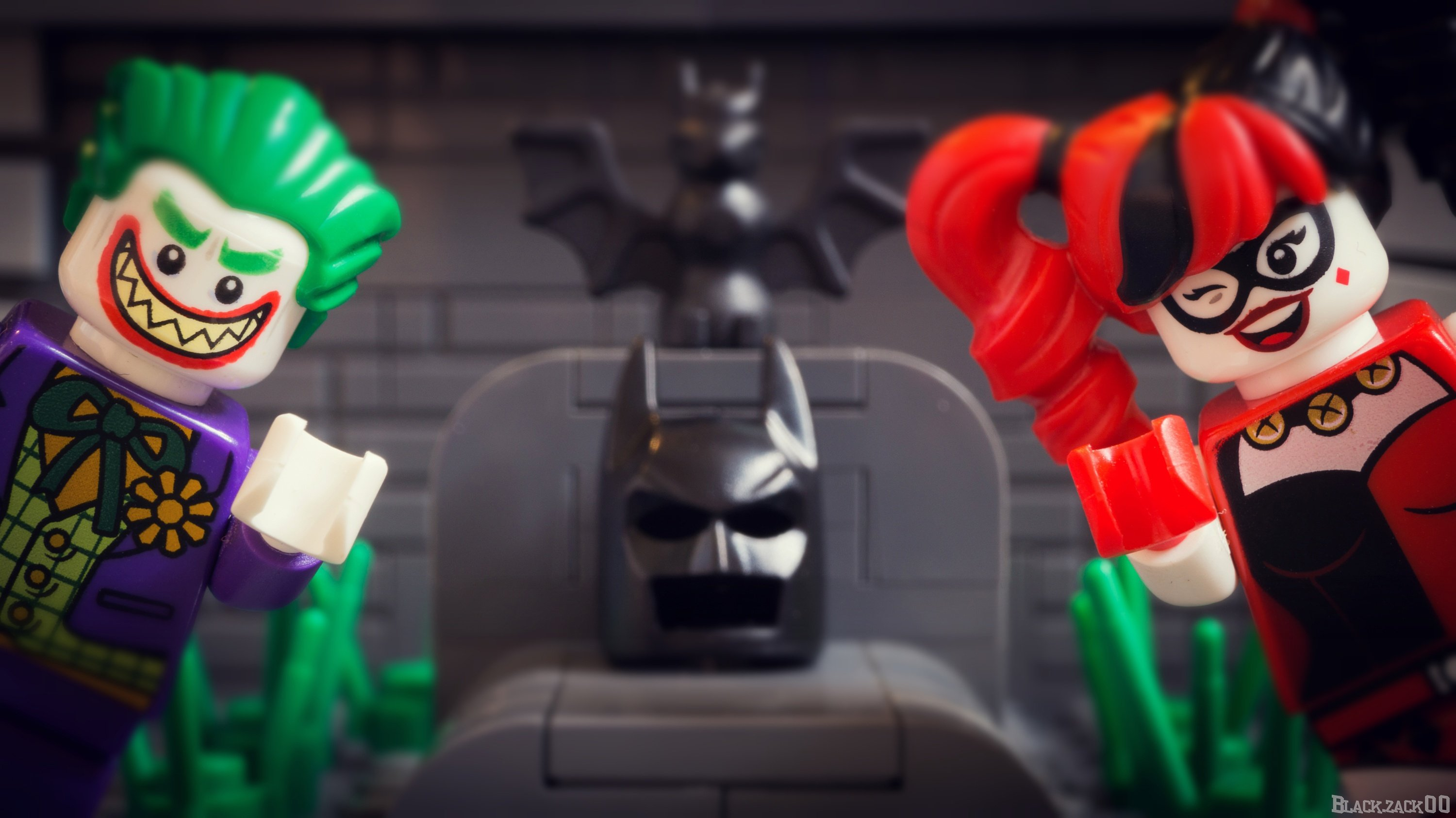 Should these two super villains train differently?