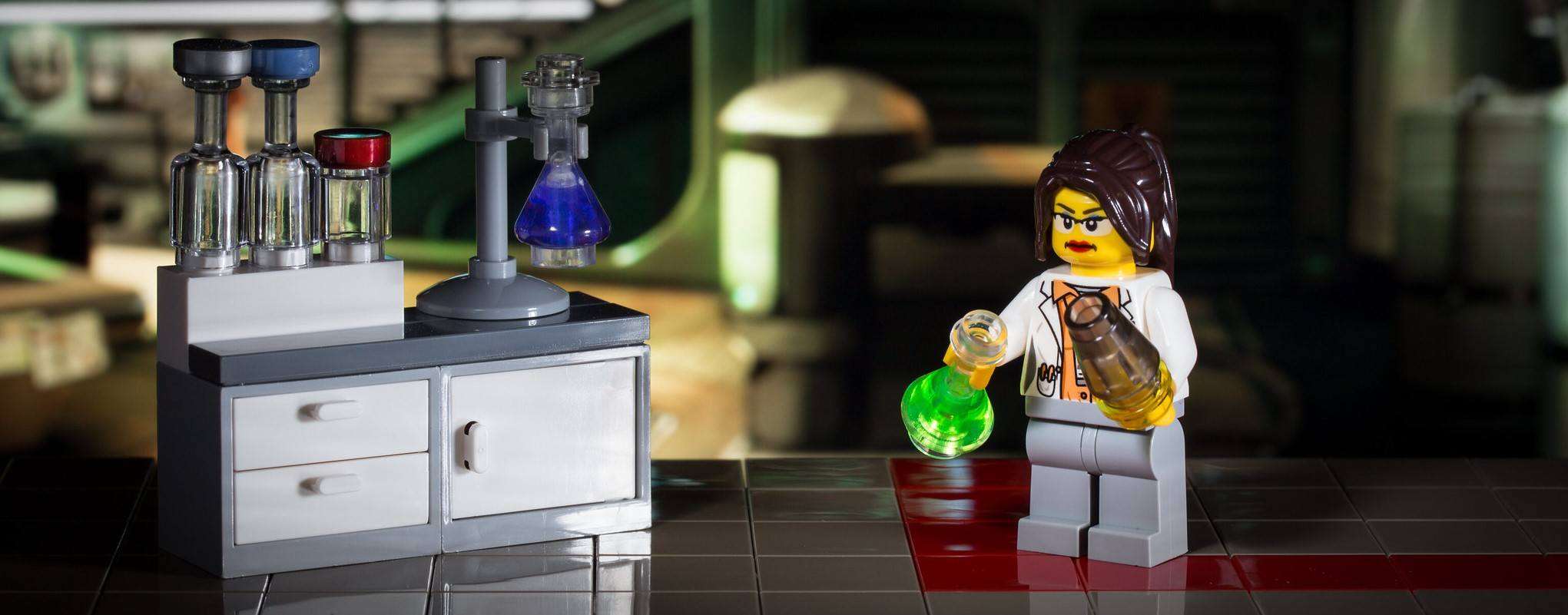 This photo shows a LEGO in a laboratory hopefully working on a cure for COVID-19.